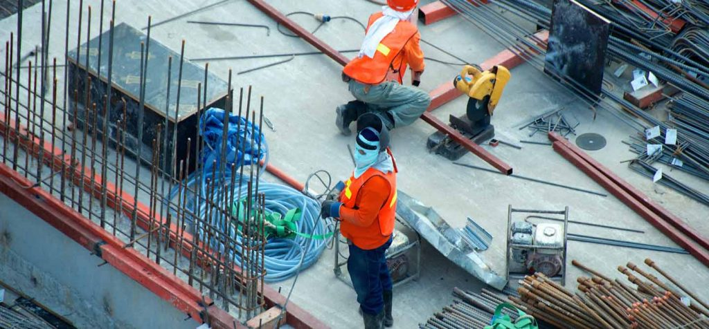 What do liquidated damages clauses in construction contracts mean?