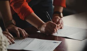 What is the Difference Between a Deed and an Agreement?