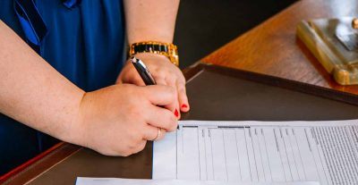 What makes a validly signed contract?